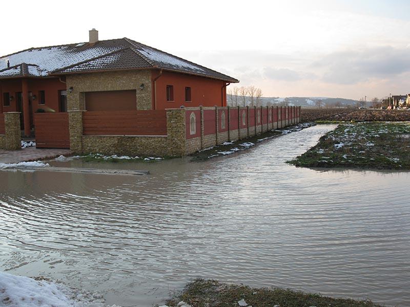 Tát-Kertváros esőzés után