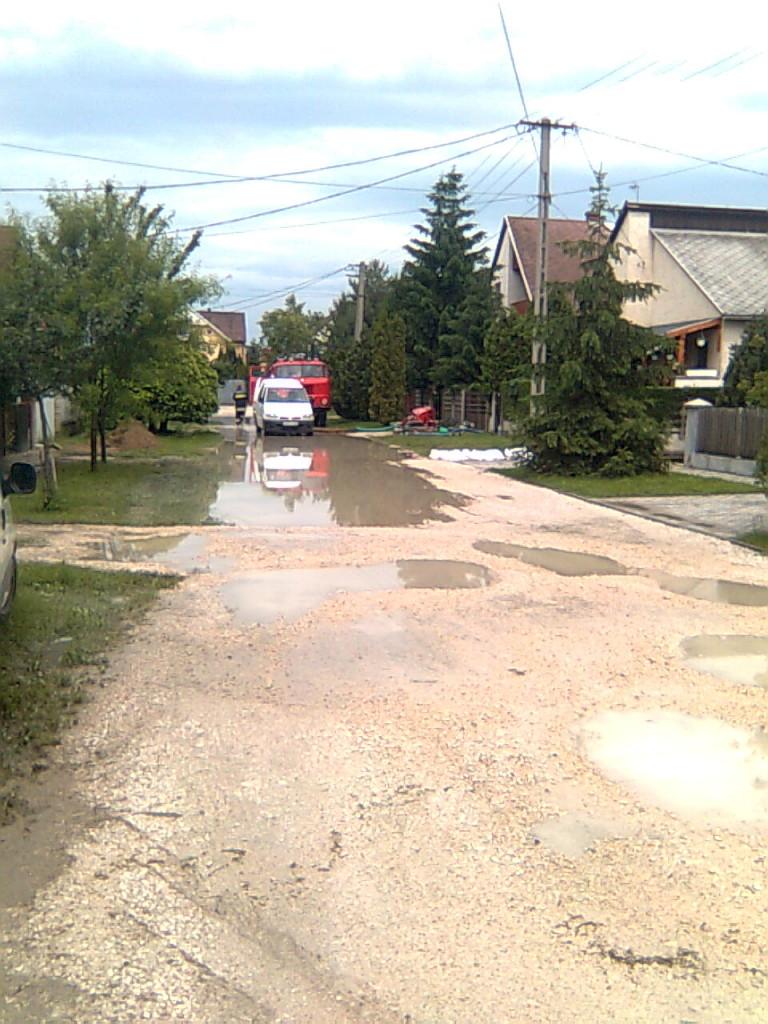 Tát, Széchenyi utca zápor után